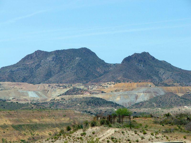 鉱山 スリーピング ビューティー